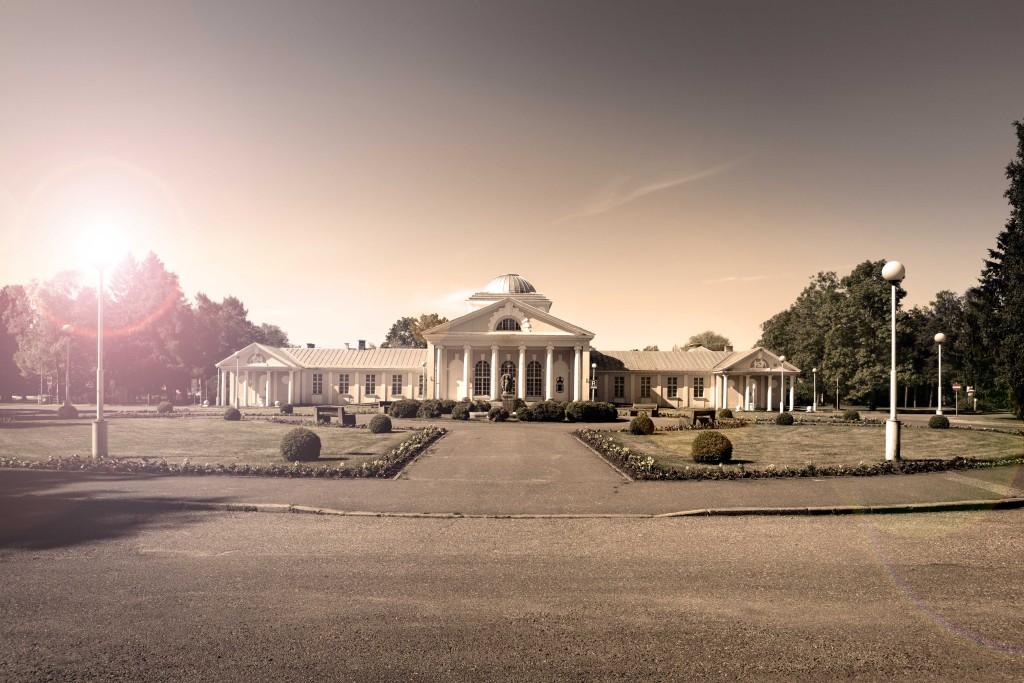 HEDON-SPA-_ajalooline-hoone-Pärnu-rannas