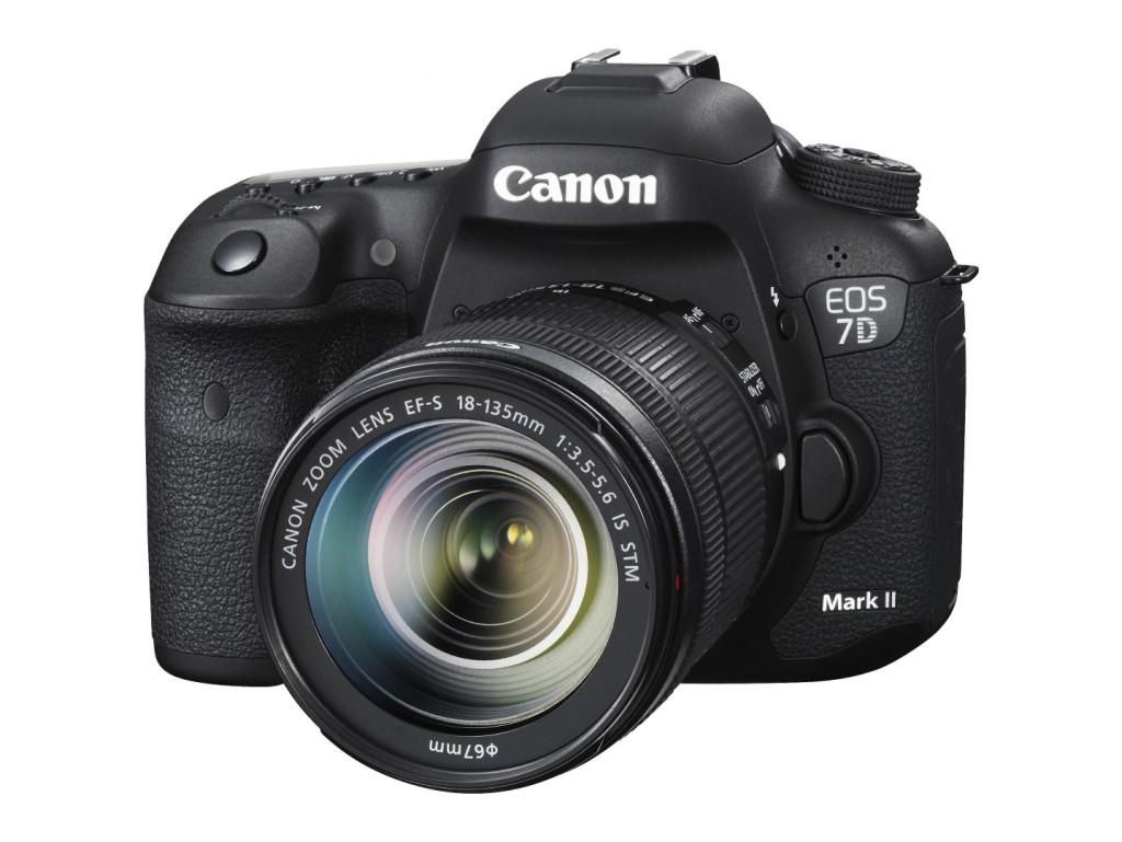Canon esitles uut peegelkaamerat EOS 7D Mark II