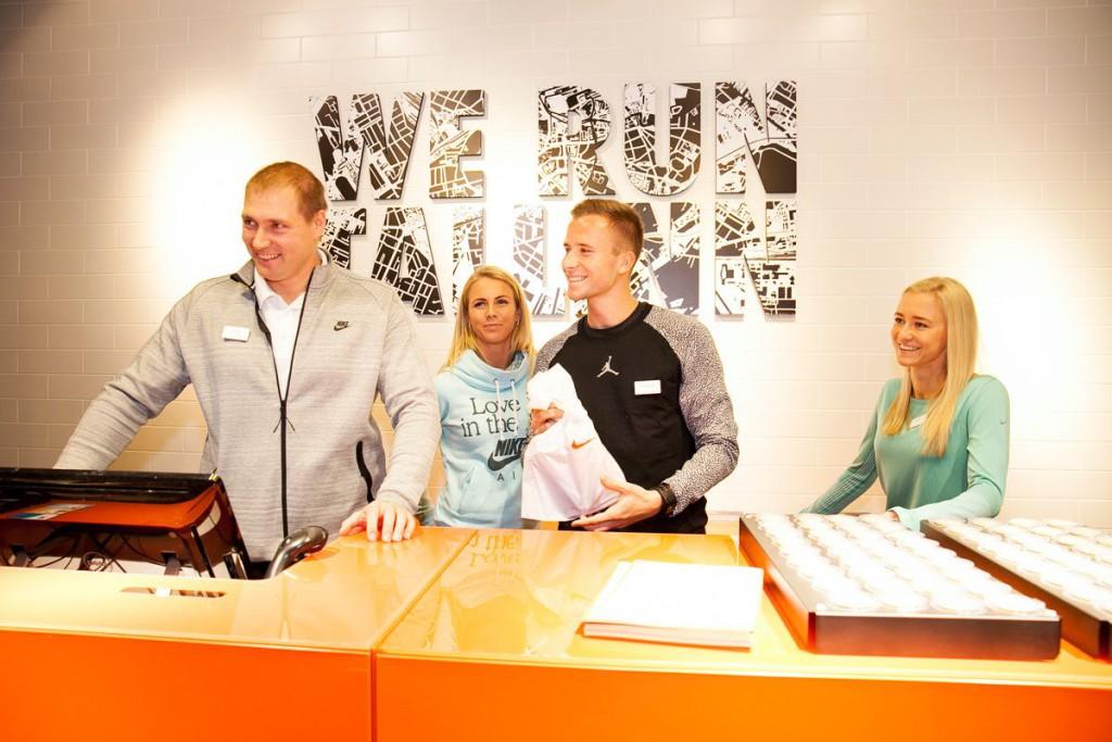 GALERII! Staarid avasid eile Eesti suurima Nike esinduskaupluse