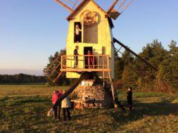 Renoveeritud-Ilaste-tuulik-Saaremaal1.jpg