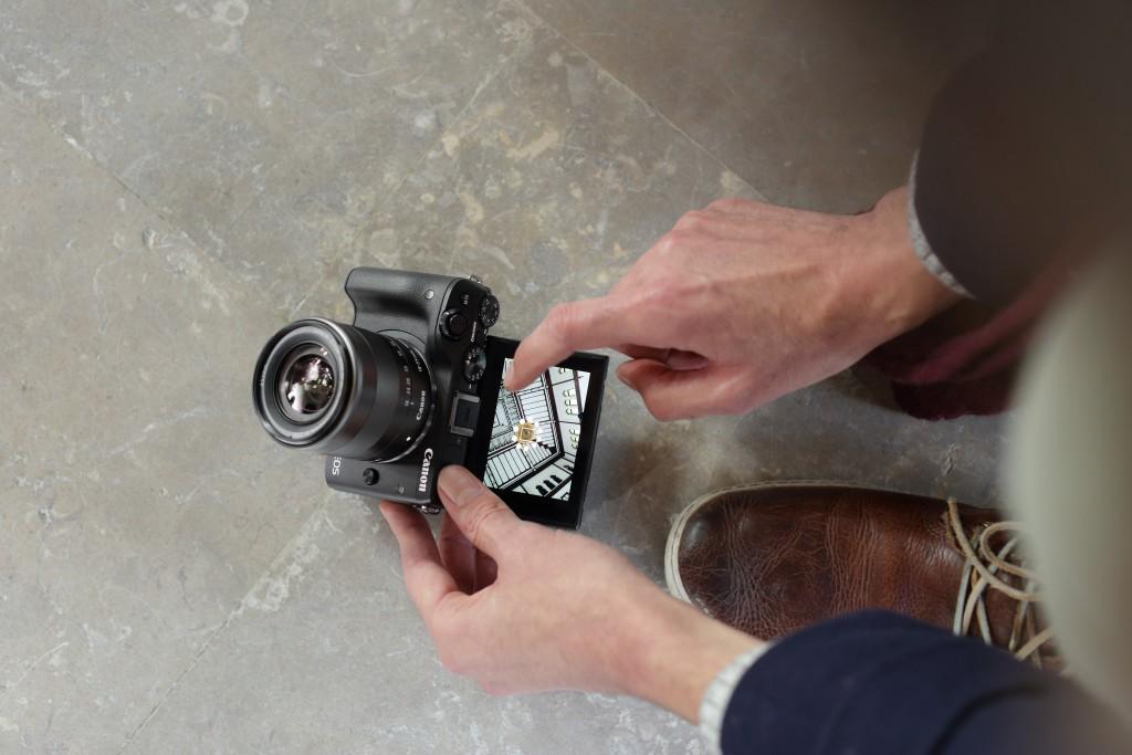 Canon rõõmustab uue võimsa kompaktkaameraga EOS M3