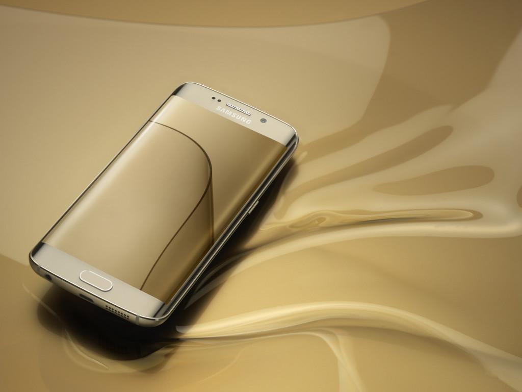 Galaxy-S6-edge_Gold-Platinum_Art-Photo2