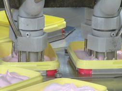 VIDEO-Balbiino-töötajad-võivad-süüa-nii-palju-tasuta-jäätist-kui-hing-ihaldab.jpg
