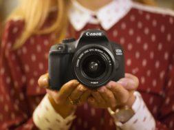 EOS-1300D_Lifestyle_2_Canon.jpg