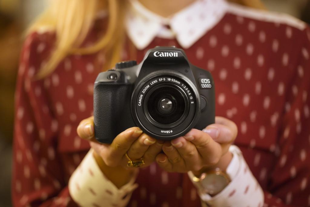 UUS KAAMERA! Canon esitleb uut algajale kasutajale mõeldud peegelkaamerat EOS 1300D
