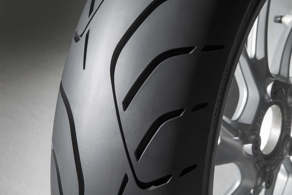 Dunlopi uus universaalrehv RoadSmart III sai MTC katsetes kõrgeid tulemusi