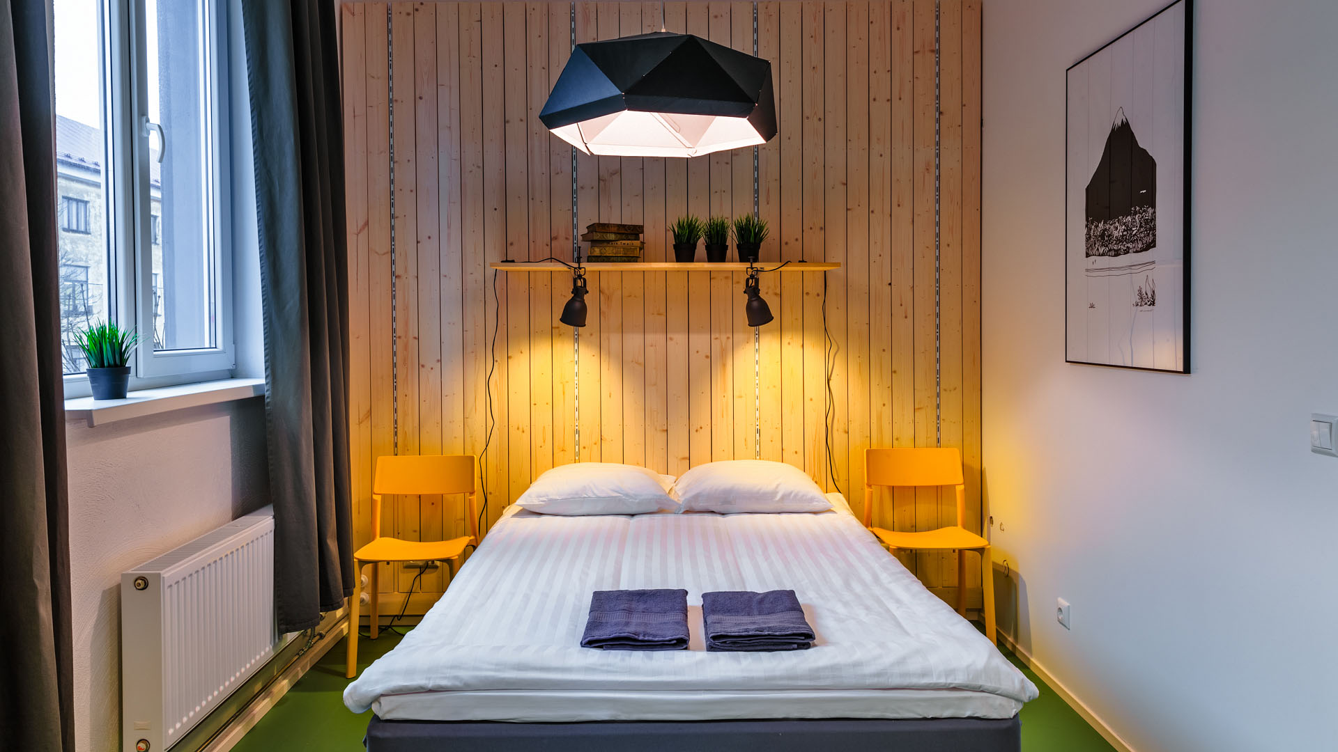 Hektor_hostel_double_bed