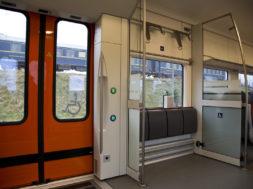 Ratastooliga-sissepääs-Elroni-rongis.jpg