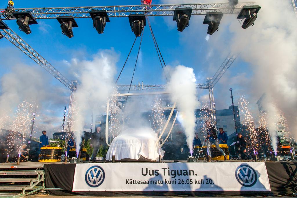 GALERII! Volkswagen tõi uue Tiguani taevast alla