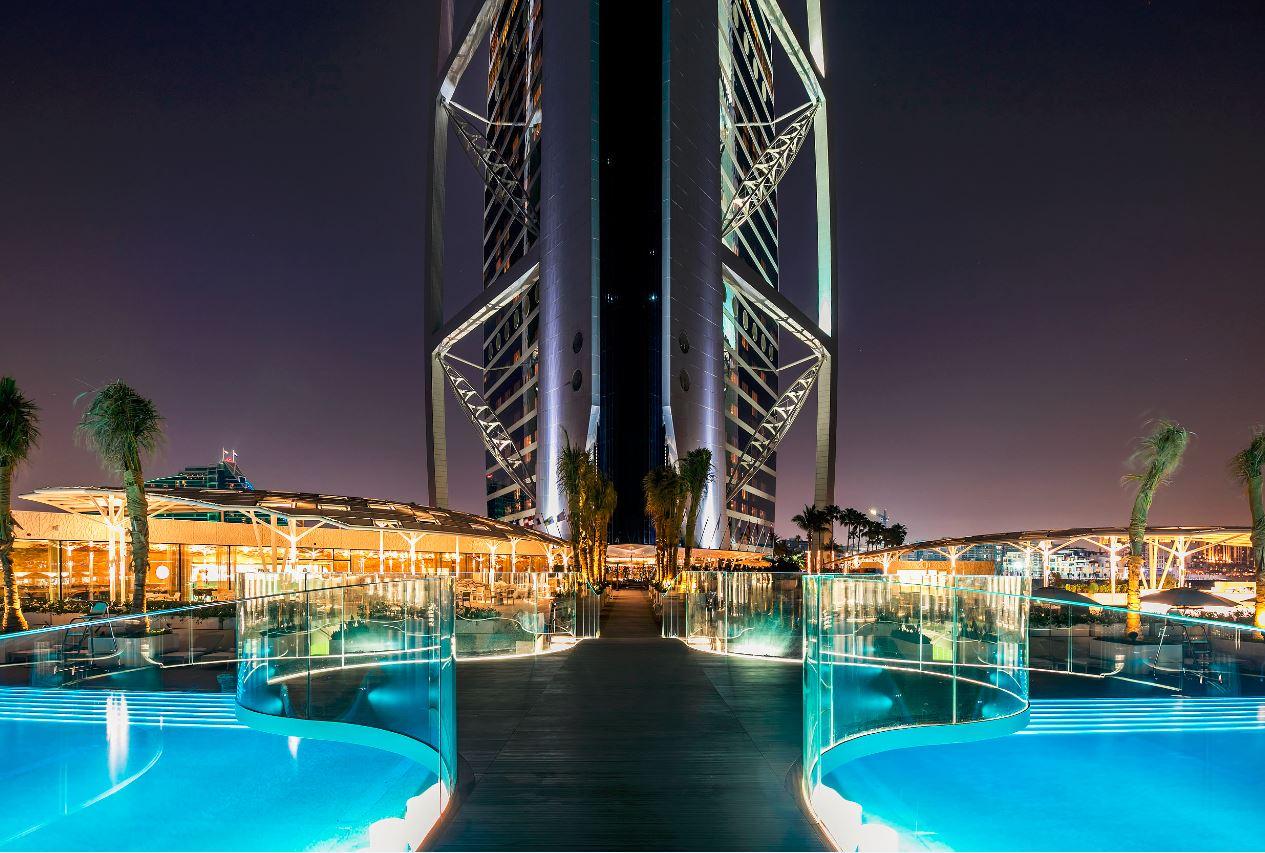 EESTLASED HINNAS! Dubai luksushotell sai eestlaste abiga endale klaasfassaadid