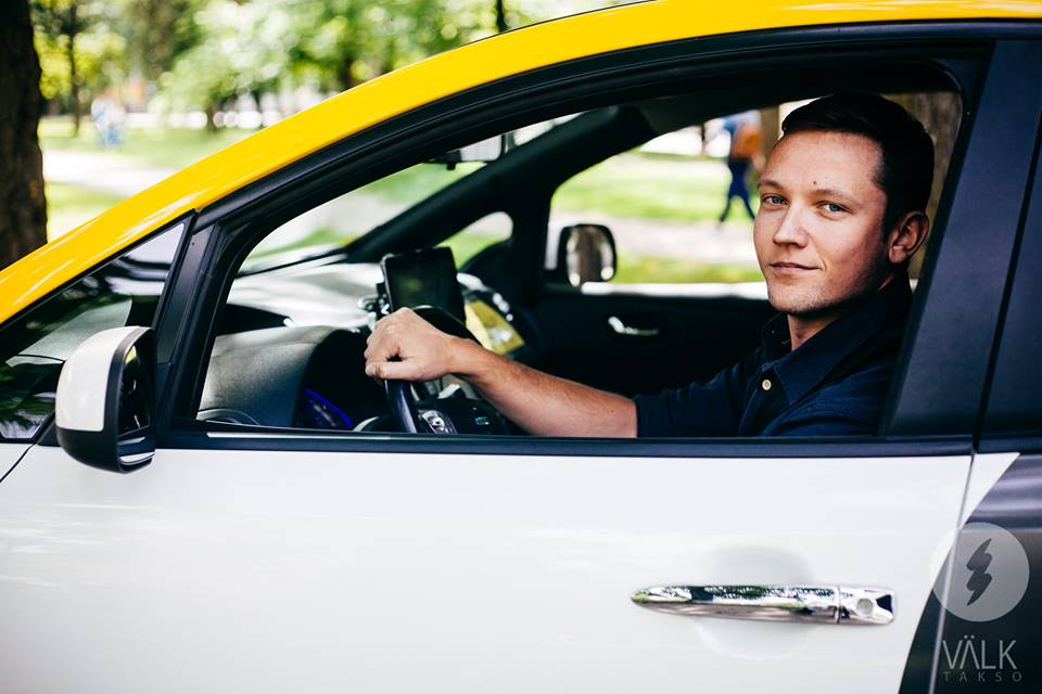 KESKKONNASÄÄSTLIK VÄLK TAKSO! Taksojuht Hans Kõllo hindab heatujulisi sõitjaid