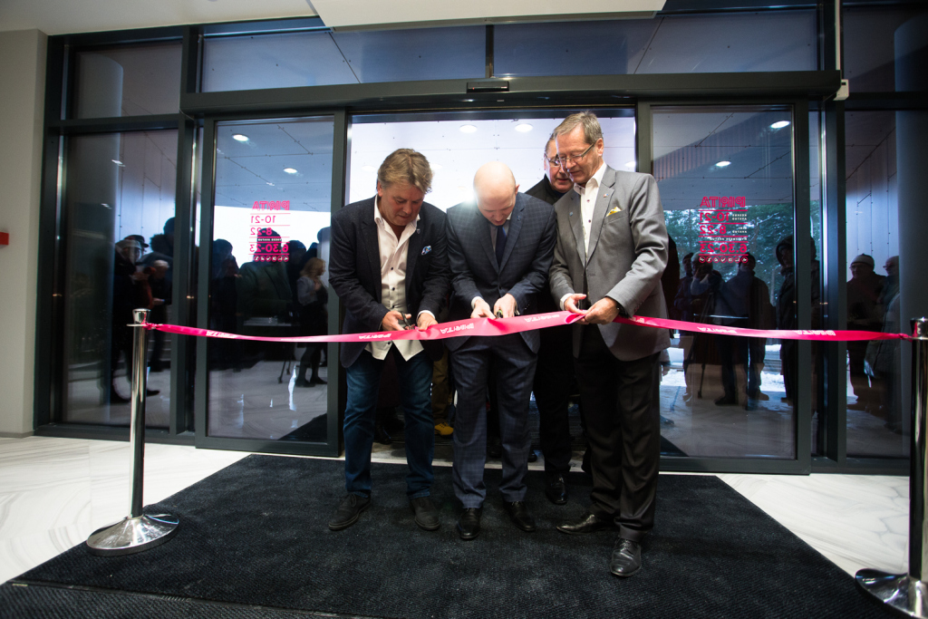 Fotod! Pirital avati uus kaubanduskeskus