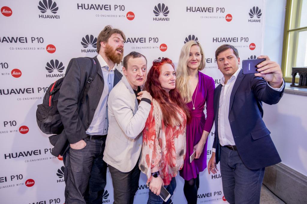 GALERII! Huawei esitles P10 nutitelefoni koos glamuurse fotonäitusega