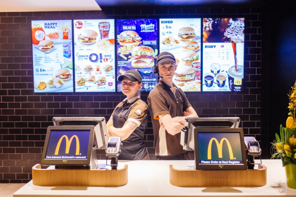 McDonald's palkab suveks 150 uut töötajat ning tõstab töötasu