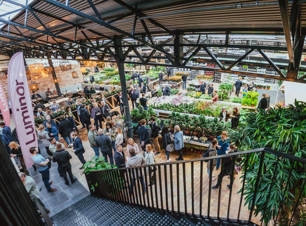 Galerii! Eile avati Baltimaade suurim kodu- ja aianduskeskus Gardest