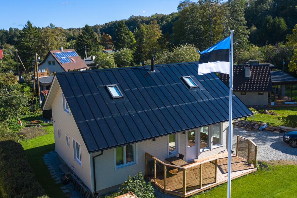 Päikesekatuseid tootev Eesti ettevõte võitis rahvusvahelise energiahiiu ENGIE säästlike lahenduste ideekonkursi