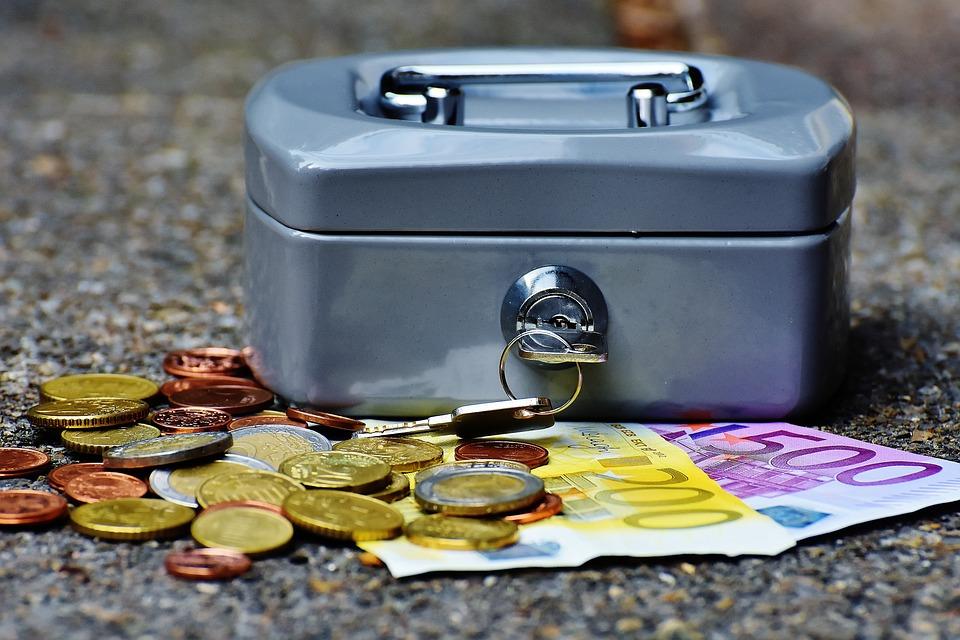RAHATARKUS I Rahandusministeerium hakkab uurima rahatarkuse õpetamist