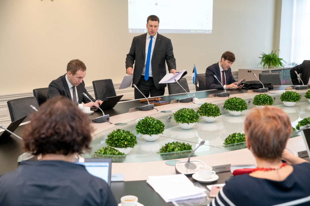 MEELERAHU JA KINDLUST I Riik suunab koondamiste vältimiseks tööinimeste toetuseks 250 miljonit eurot