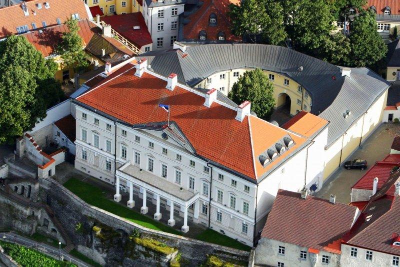 PÖÖRDUMINE VALITSUSELE I Kakskümmend Eesti kaubanduskeskust avaldavad kaupmeeste ettepanekutele toetust
