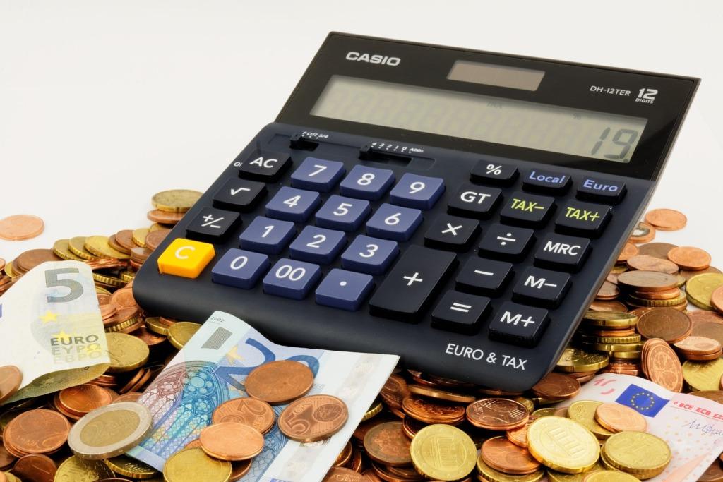 OLULINE ON TOETADA INIMESI JA ETTEVÕTTEID I Rahanduskomisjon arutas pangandussektori olukorda