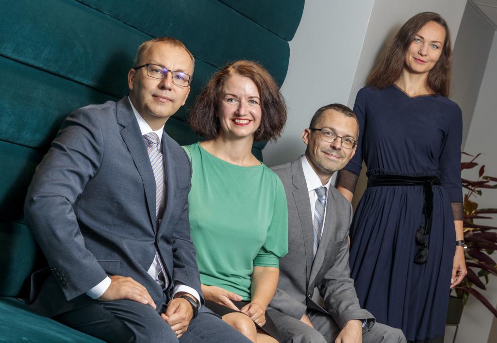 Vasakult. liituja Ivo Vanasaun, liituja Katrin Alliksaar, Juhtivpartner Kuldar-Jaan Torokoff ja liituja partner Merit Lind
