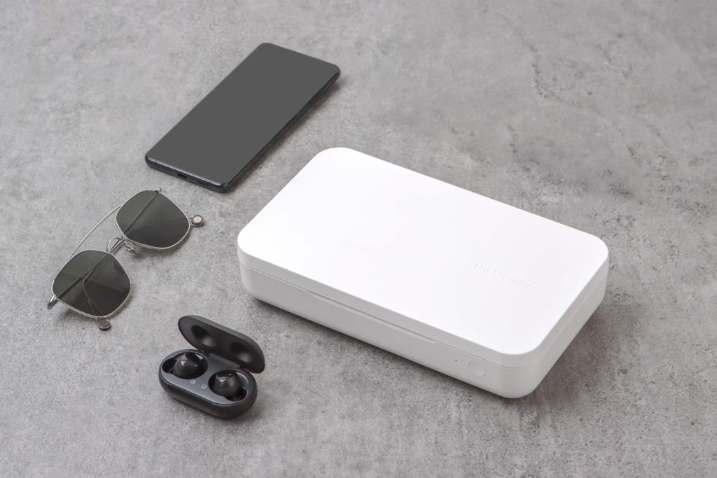 UUS TOODE I Samsung tõi Eestis müügile uudse telefonide puhastamiseks mõeldud UV-desinfitseerija