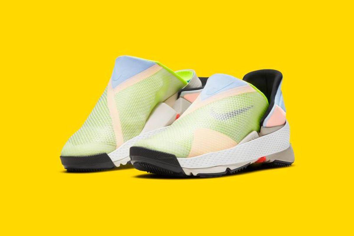 Nike tegi tossud, mida saab jalga panna käsi kasutamata