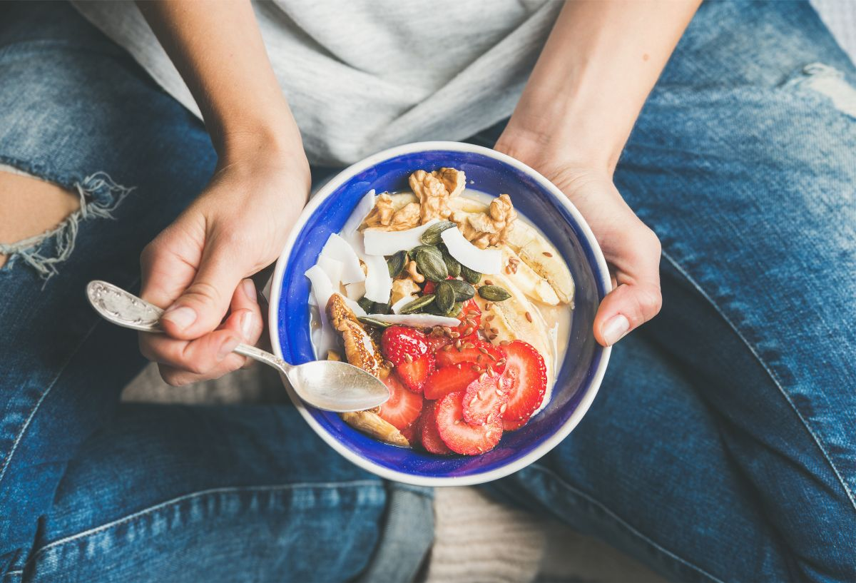 Eating,Healthy,Breakfast,Bowl.,Yogurt,,Granola,,Seeds,,Fresh,And,Dry