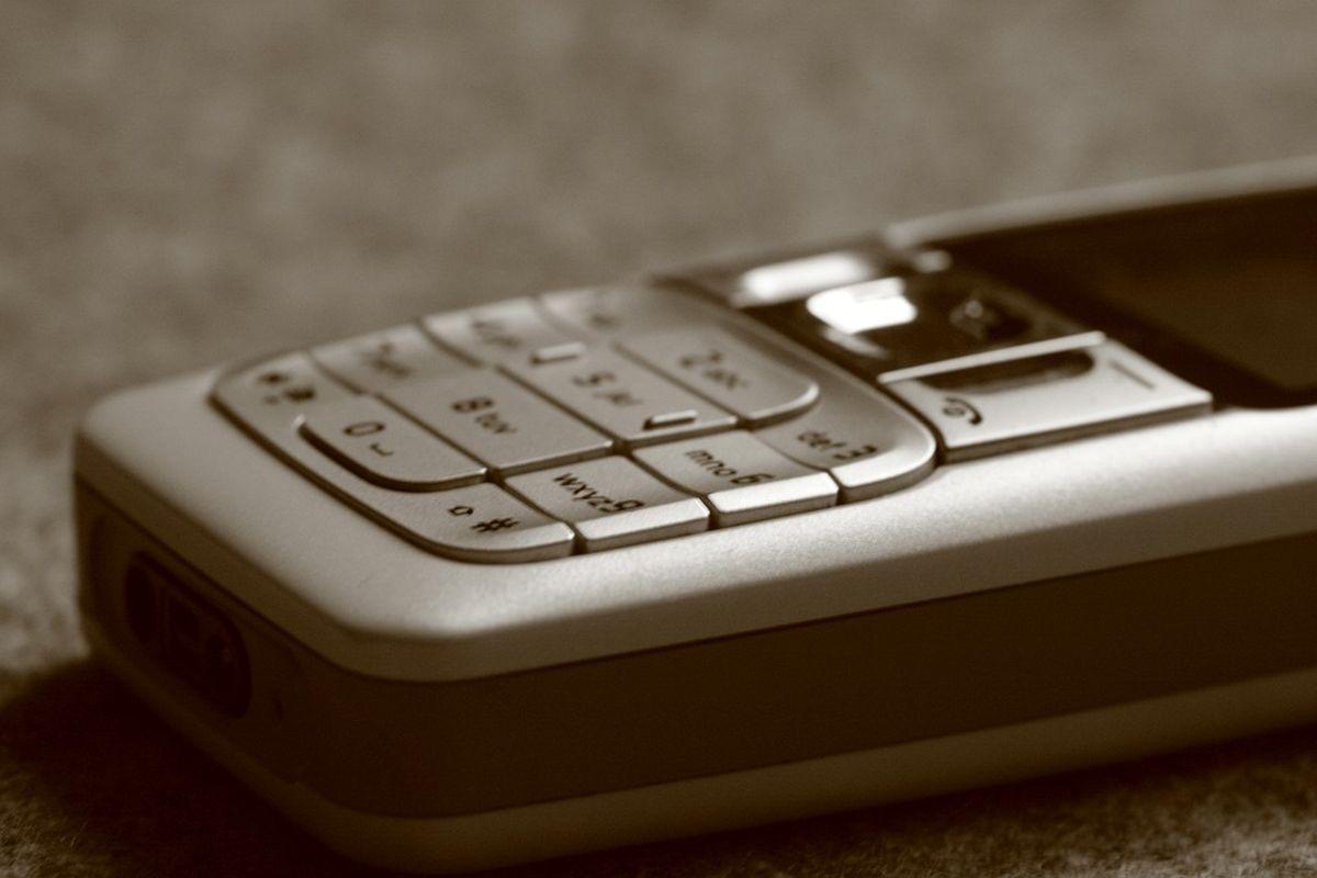 EESTI MOBIILSIDE SÜND I 30 aastat tagasi said mobiili lubada vaid jõukamad